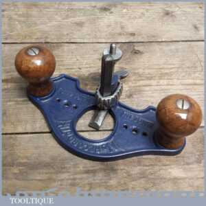 Good Record No. 71 12 Closed Throat Router Plane