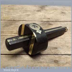 Good Vintage Ebony and Brass Screw Adjustment Mortice Gauge