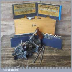Vintage boxed Record No: 405 combination plough plane