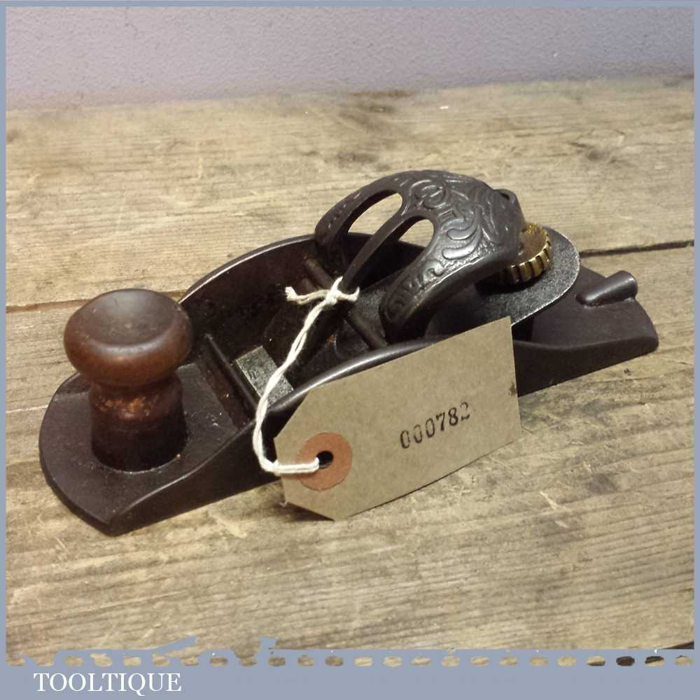 Antique Extremely Rare Stanley 110 Block Plane With Floral Buckle Lever