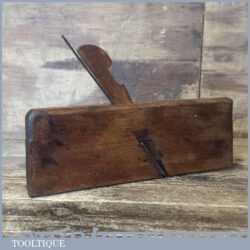 "Antique Onions & Co. 3/8"" Hollowing Beechwood Moulding Plane - Good Condition"