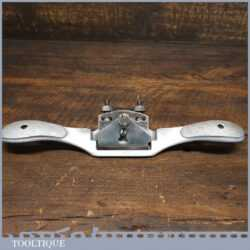 T20446 - Vintage Record No: A151 adjustable curved sole metal spokeshave, fully refurbished ready for use and in good used condition