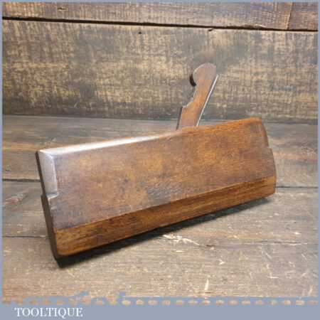 Antique 18th Century Wm. Moss 1775-1800 Hollowing Beechwood Moulding Plane