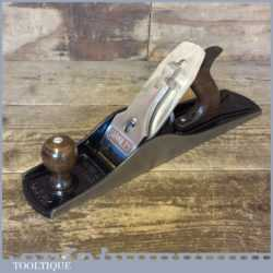 T3591 - Vintage Stanley No: 5 1/2 fore plane fully refurbished