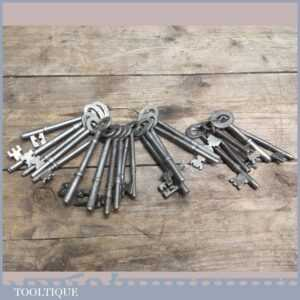 Vintage bunch of large Keys - For Old Steel Locks